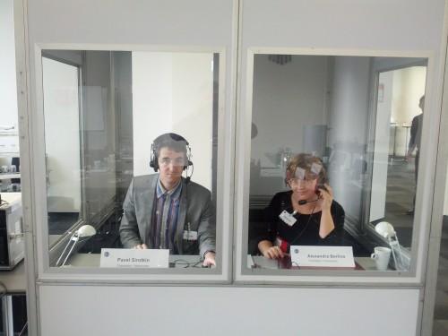 Alexandra und Pavel im Einsatz als Konferenzdolmetscher